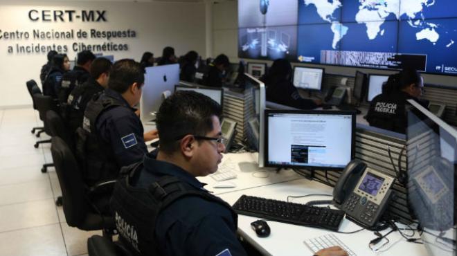 Atienden y previenen delitos cibernéticos especialistas de la policia cibernetica de la CDMX