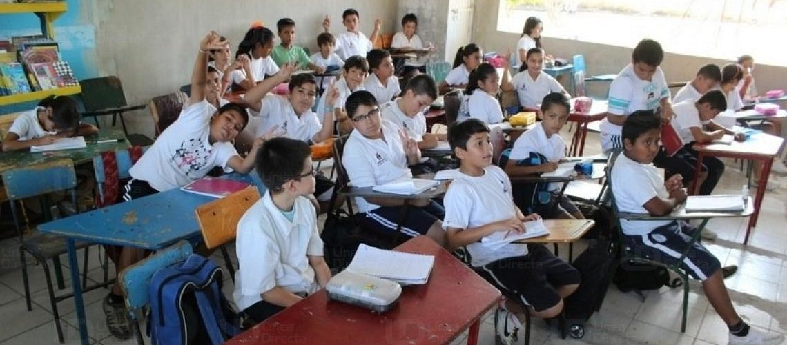 Regresan a clases más de un millón de estudiantes de nivel básico