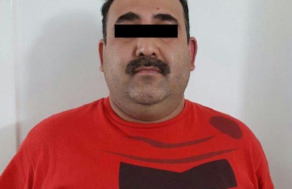 Detienen a ex policia municipal con vehiculo robado en Cuauhtemoc, Chihuahua