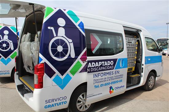Recibe el Gobierno Municipal camioneta de transporte adaptado
