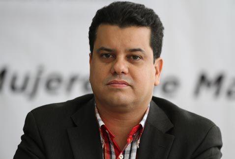 Carta Magna ha resistido globalización y está a la altura de demandas sociales: Romo García