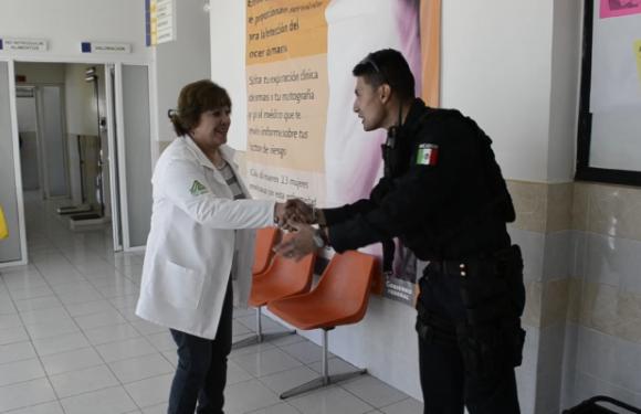 Reconoce ciudadanía y profesionales de la Medicina labor preventiva de la CES en zona serrana