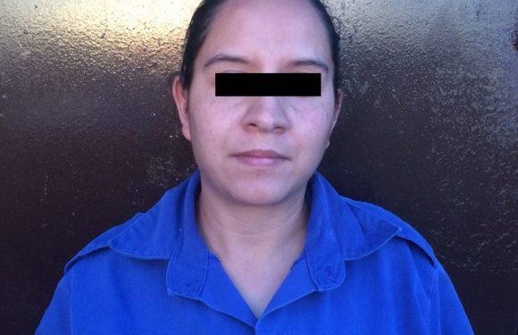 Detienen a mujer por robo en  perjuicio de una Sociedad de Padres de Familia