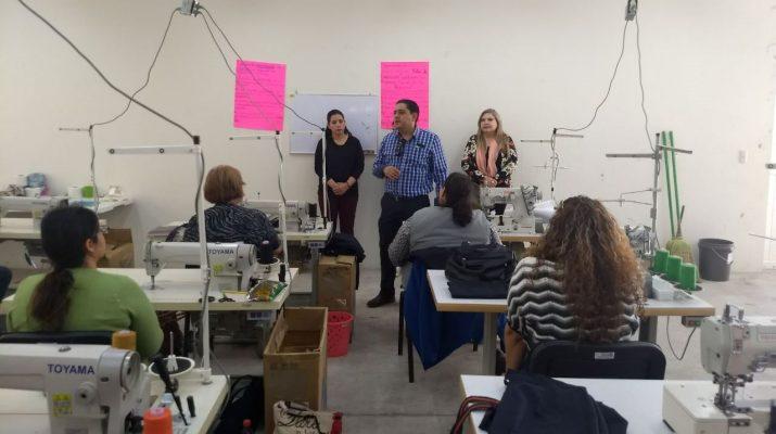 Capacitan a 20 mujeres del taller productivo de Saucillo