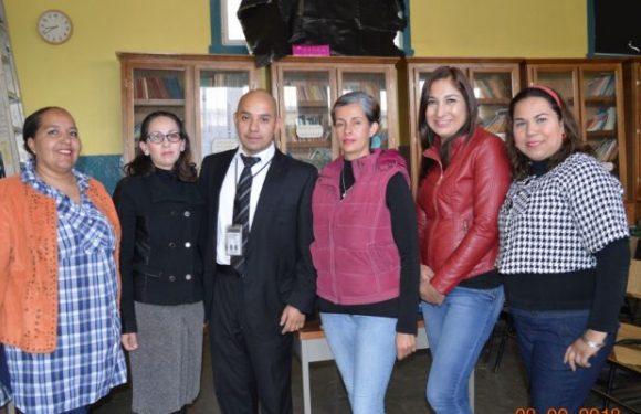 Imparte GOECHI taller a padres de familia