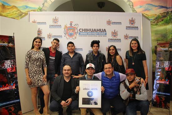 Presenta Gobierno Municipal de Chihuahua disco de Expresa tu Talento 2.0