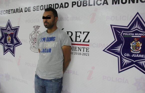 Juarez | Lo detienen por intentar sobornar a policias luego de robar dinero a su jefe
