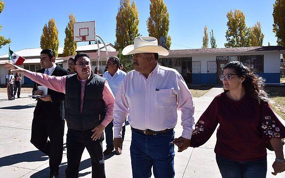 Cuauhtemoc | Evalúa alcalde Carlos Tena necesidades en escuelas