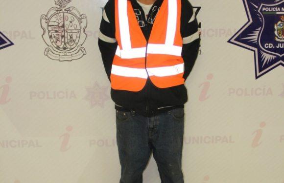 Policías municipales arrestaron a sujeto por el delito de robo a comercio con violencia