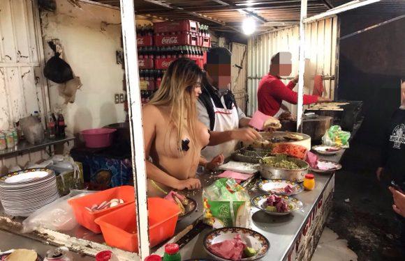 Vende tacos desnuda y se vuelve viral