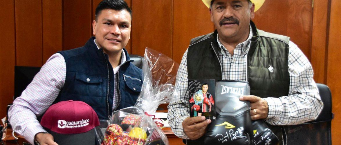 Cuauhtémoc | Recibe alcalde a ex campeón de boxeo Daniel Ponce de Leon