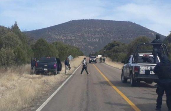 Cuauhtémoc | Encuentran ejecutado con narco mensaje en carretera a San Juanito