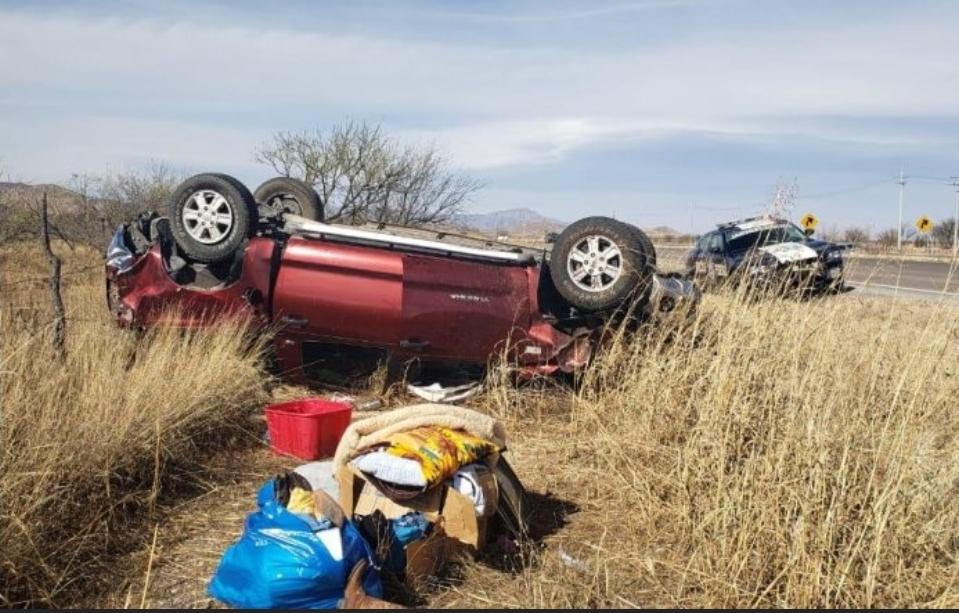 Volcadura en carretera de Chihuahua a Juárez