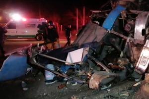 Chihuahua | Tragedia: Mueren 12 en volcadura de camión foraneo