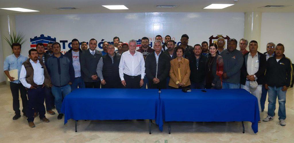 #Torreon | Agradecen materialistas apoyo del municipio de Torreon para regularizar su actividad