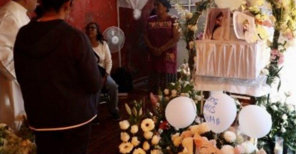 Madre de fátima no asistió a la misa de su pequeña hija.