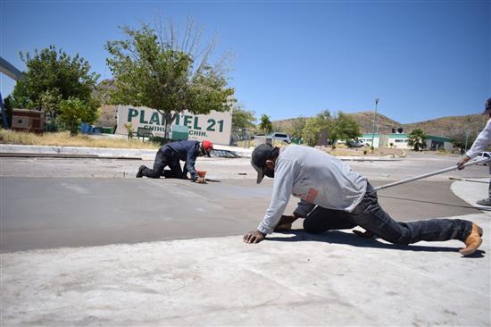 Avanza Gobierno Municipal con construcción de plaza cívica del Colegio de Bachilleres Plantel 21
