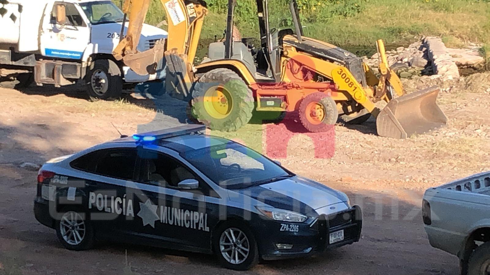 Roban partes de maquinaria del municipio en el Teófilo Borunda